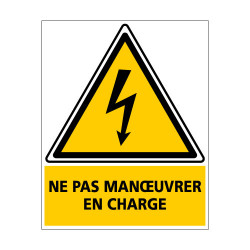 Adhesif PHOTOVOLTAIQUE NE PAS MANOEUVRER EN CHARGE (C1208)