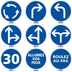 Panneau d'OBLIGATION pour la circulation