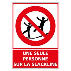 PANNEAU UNE SEULE PERSONNE SUR LA SLACKLINE (D1165)